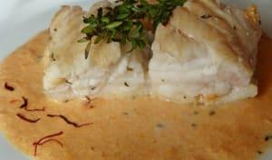 Queue de lotte rôtie et sa sauce corail crémée au Vermouth