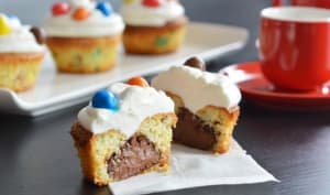 Cupcakes aux m&m's cœur Nutella et glaçage chantilly