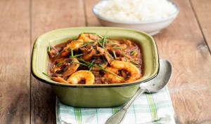 Crevettes et champignons à la sauce tomate aux épices