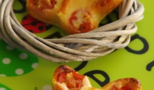 Papillons de parmesan, tomates cerises et basilic