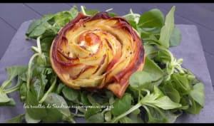Rose feuilletée aux pommes de terre, bacon, pesto à l'ail des ours