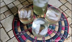 Café glacé blanc au jasmin