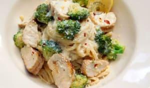 Linguine au poulet grillé, brocoli et citron, Sauce Alfredo