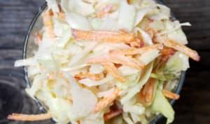 Salade de chou et de carotte au raifort