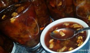 Confiture de prunes ou quetsches aux noix