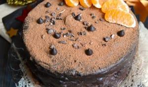 Layer cake au chocolat corsé, orange, épices et kaki