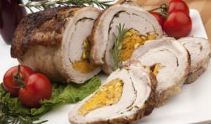 Rôti de porc avec une farce pistaches orange