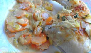 Fricassée de poulet aux carottes, poireaux, moutarde et crème