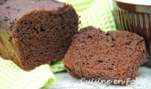 Cake au chocolat sans matière grasse et très pauvre en sucre