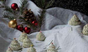 Meringues sapin de Noël au thé matcha