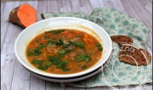 Soupe épicée à l'agneau et patate douce