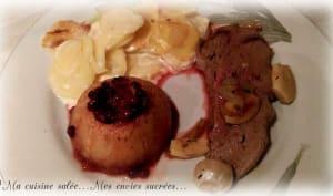 Gigue de chevreuil au four et pommes aux airelles