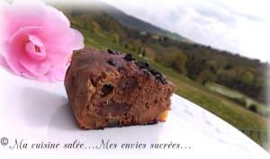 Gâteau à la poudre de caroube-dattes-abricots au multicuiseurs