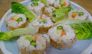 Makis au saumon, makis au thon et makis végétariens
