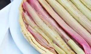 Tarte à la rhubarbe avec pâte sablée à la vanille