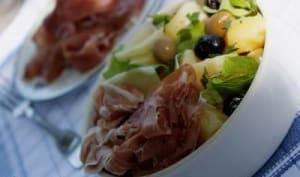 Salade aux olives, pommes de terre et jambon de Parme