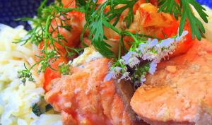 Wok de saumon et crevettes à la fleur de coriandre