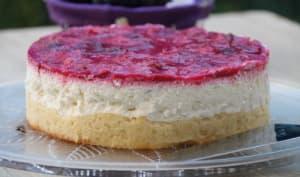 Gâteau moelleux au fromage blanc-citron vert & gelée de prunes rouges