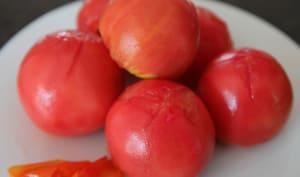 Comment éplucher facilement les tomates ?