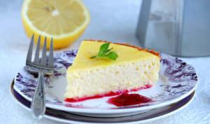 Cheesecake façon Fiadone et son coulis de fruits rouges