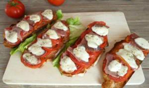 Bruschetta tomates jambon mozzarella