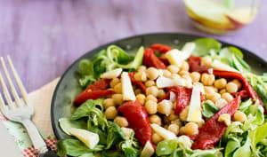 Salade de piquillos et pois chiches au cantal