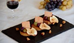 Canapés foie gras, pain d'épices et chips de pommes