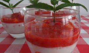 Panna cotta au lait d'amande et fraises