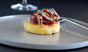 Bouchées de polenta aux oignons caramélisés
