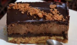 Entremets croustillant chocolat-praliné gavottes