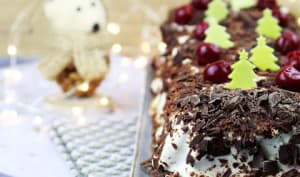 Bûche de Noël façon forêt noire griottes chocolat