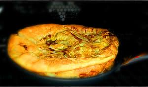Omelette au cantal soufflée au four