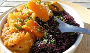 Curry de courge butternut et pommes de terre au lait de coco