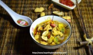 Bouillon chinois au poulet et épices