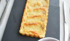 Tarte de pommes de terre Laurette au fromage à raclette et sa salade carmine