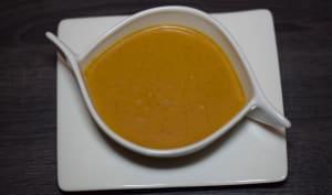 Velouté de courge butternut au curry et lait de coco