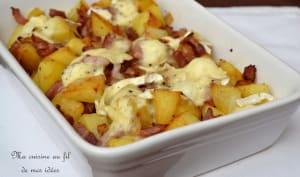 Gratin de pommes de terre aux oignons, lardons fumés et Camembert