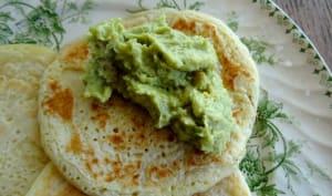 Pancakes au lait de coco et green houmous