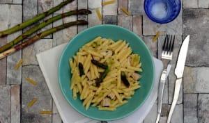 Risotto de pâtes aux asperges, poulet et parmesan