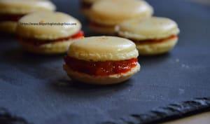 Macarons au confit de poivron rouge et piment d'espelette
