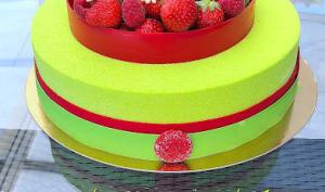 Entremets pistache-fraises