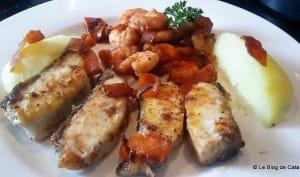 Poisson Corvina Rex et crevettes à la sauce soja