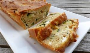 Cake à la courgette, chèvre frais et menthe
