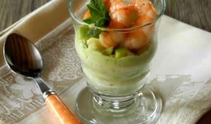 Verrine de mousse de fèves à la pomme verte et aux crevettes