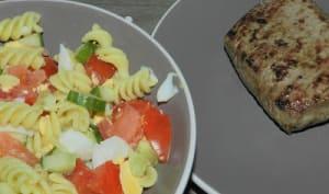 Salade de pâtes pour accompagner un pavé de boeuf