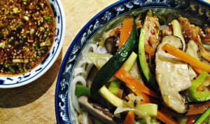 Soupe gourmet au poulet et aux nouilles, façon coréenne