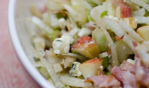 Salade de fenouil au bleu, à la pomme et au bacon
