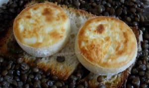 Salade de lentilles du Berry au crottin de Chavignol chaud