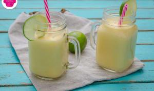 Smoothie citron-coco-mangue