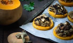Médaillons de butternut à la choucroute et aux champignons